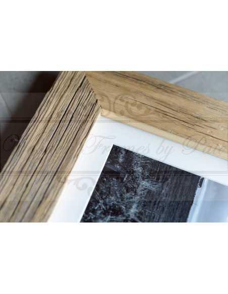 Rendu final: photo noir et blanc dans un cadre vieux bois avec passepartout blanc